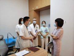成都市疾控中心及武侯区疾控中心领导视察医院传染病管理工作